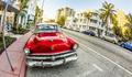Klasik otomobillerin Zafer Bayramı geçidi