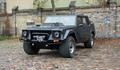8. LM002    LM002, Lamborghini'den beklenmeyecek konsept ve segmentte bir araç. Rambo Lambo adıyla tanınan bu araç, Jeep'in 1970'li yılların ortasında ürettiği ABD askeri araçlarının halefi olarak üretildi. Cheetah (Çita) kod adıyla bilinen LM002, Chrysler V8 bir motora sahipti. Rodney Pharis tarafından tasarlanan bu model, Ortadoğu'da hala kullanılıyor.